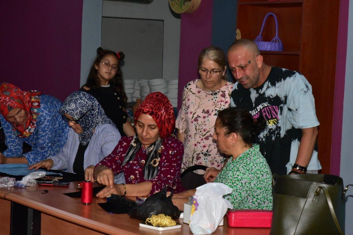 Balıkesir'de Yağcıbedir halıları modaya uyarlandı #3