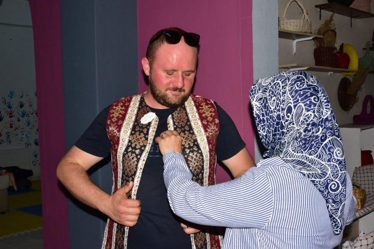 Balıkesir'de Yağcıbedir halıları modaya uyarlandı #4