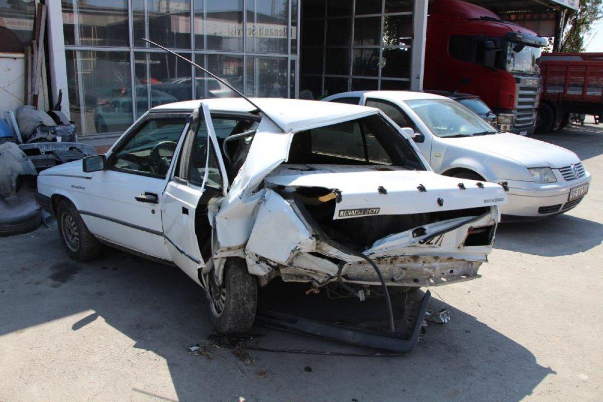 Amasya da seyir halindeyken uyuyan sürücü kaza yaptı #5