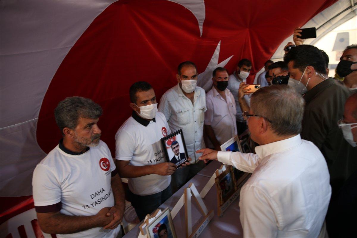 Ahmet Davutoğlu na Diyarbakır ailelerinden tepki #1