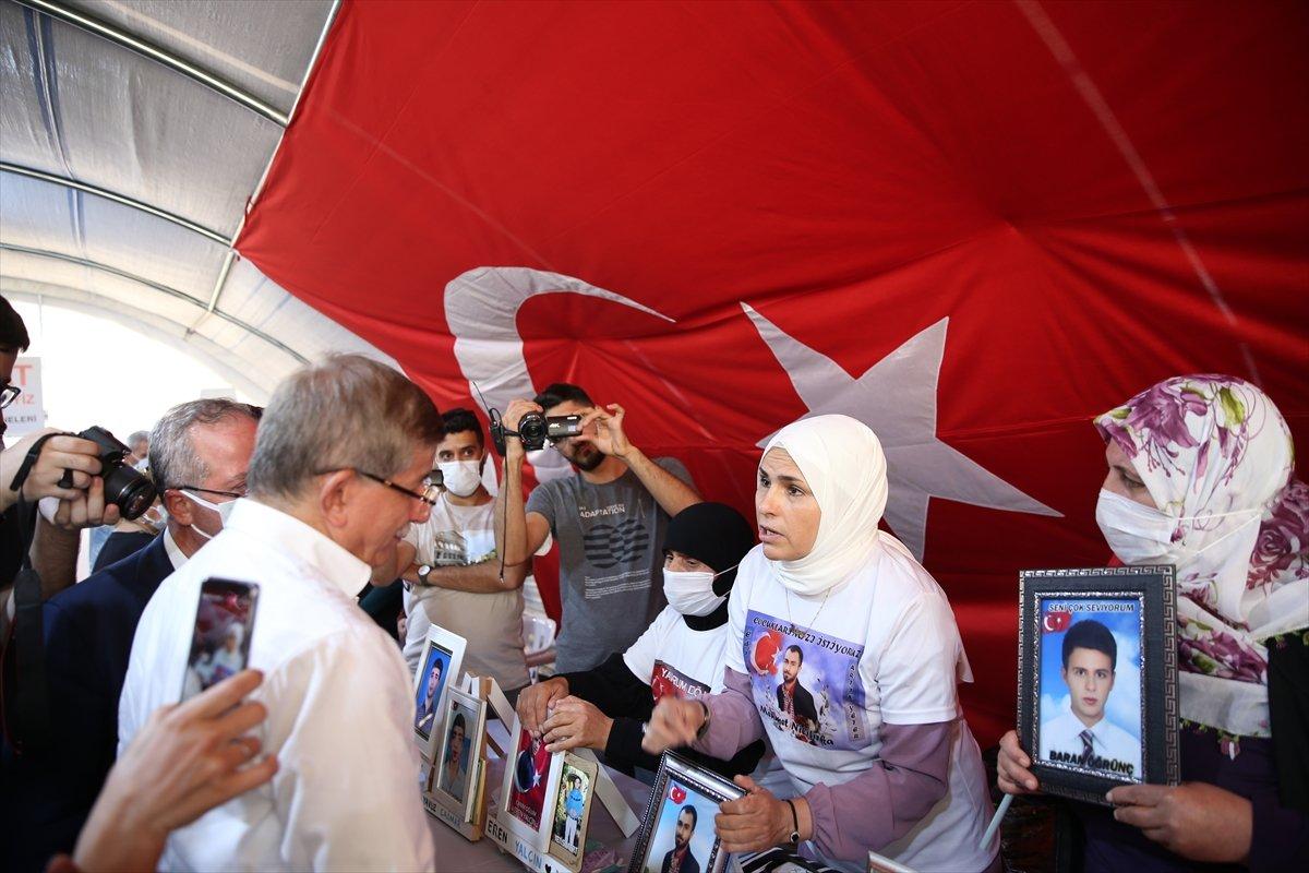 Ahmet Davutoğlu na Diyarbakır ailelerinden tepki #2