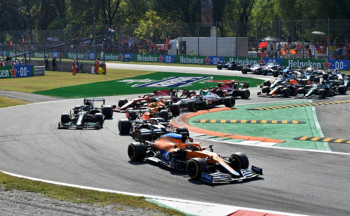 Formula 1 İtalya Grand Prix sini Ricciardo kazandı #1