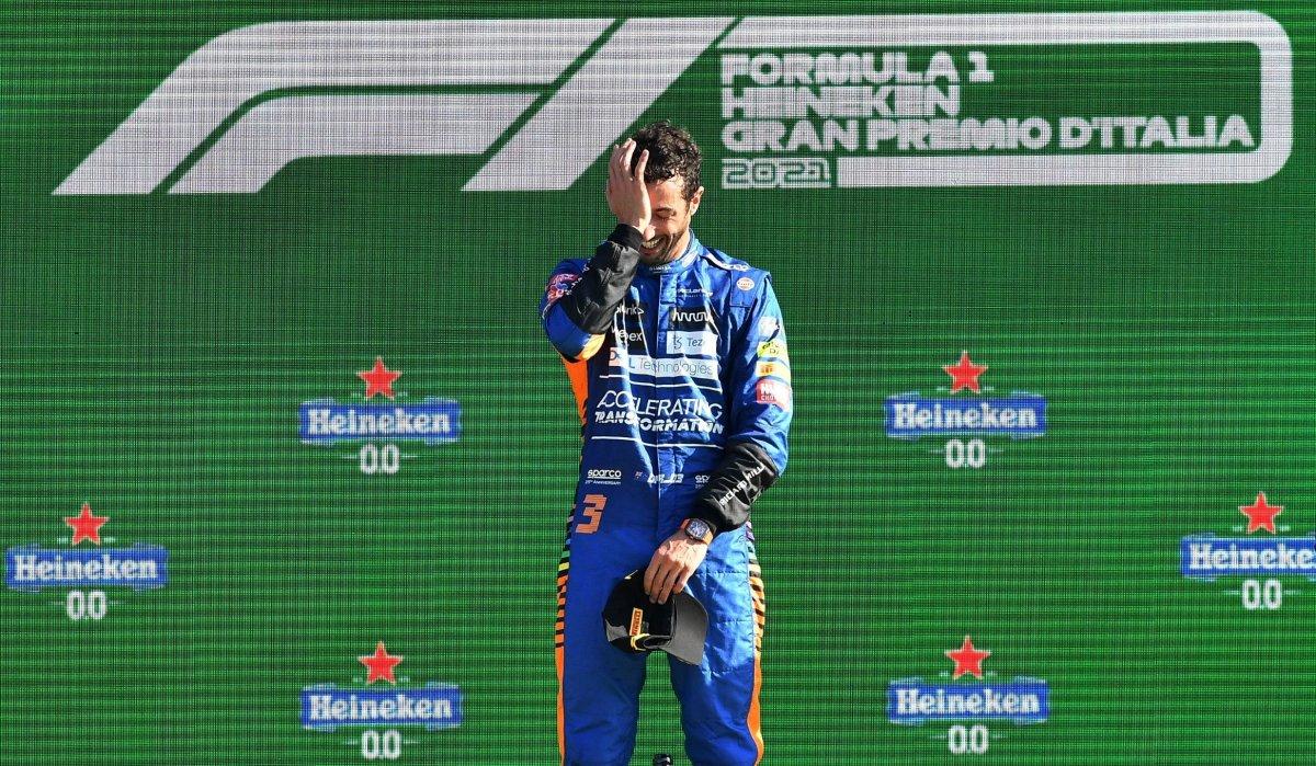 Formula 1 İtalya Grand Prix sini Ricciardo kazandı #11