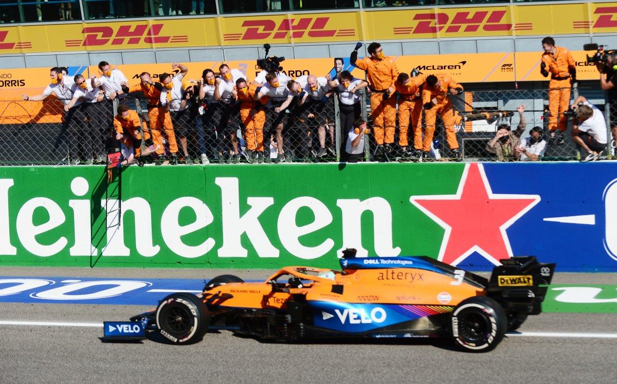 Formula 1 İtalya Grand Prix sini Ricciardo kazandı #8