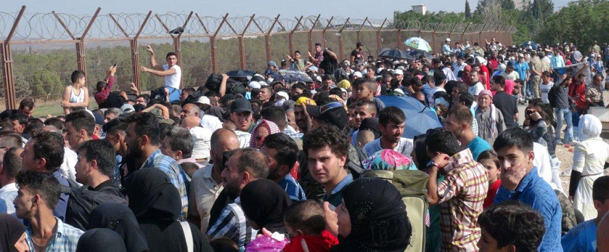 Dışişleri Bakanı Mevlüt Çavuşoğlu mültecilerin gönderilmesi ile ilgili konuştu #1