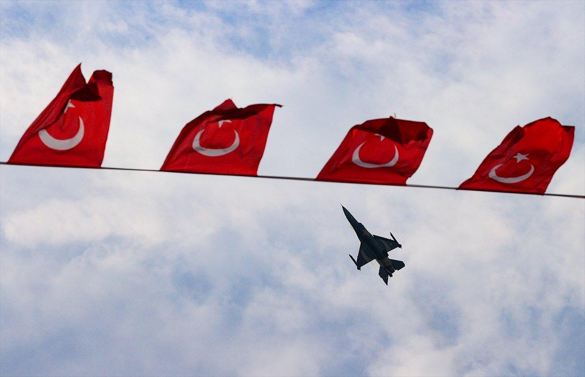 SOLOTÜRK ekibinden İzmir de büyüleyen gösteri uçuşu #8