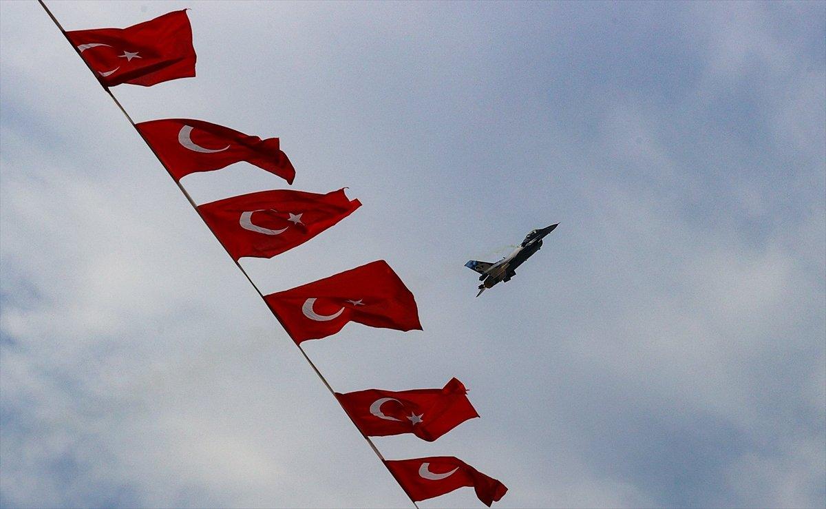 SOLOTÜRK ekibinden İzmir de büyüleyen gösteri uçuşu #7
