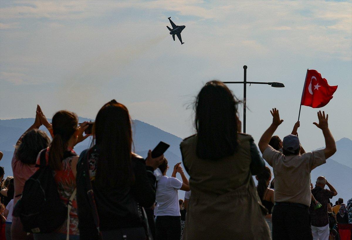 SOLOTÜRK ekibinden İzmir de büyüleyen gösteri uçuşu #9