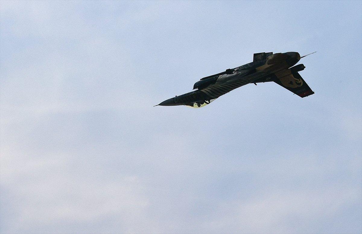 SOLOTÜRK ekibinden İzmir de büyüleyen gösteri uçuşu #11
