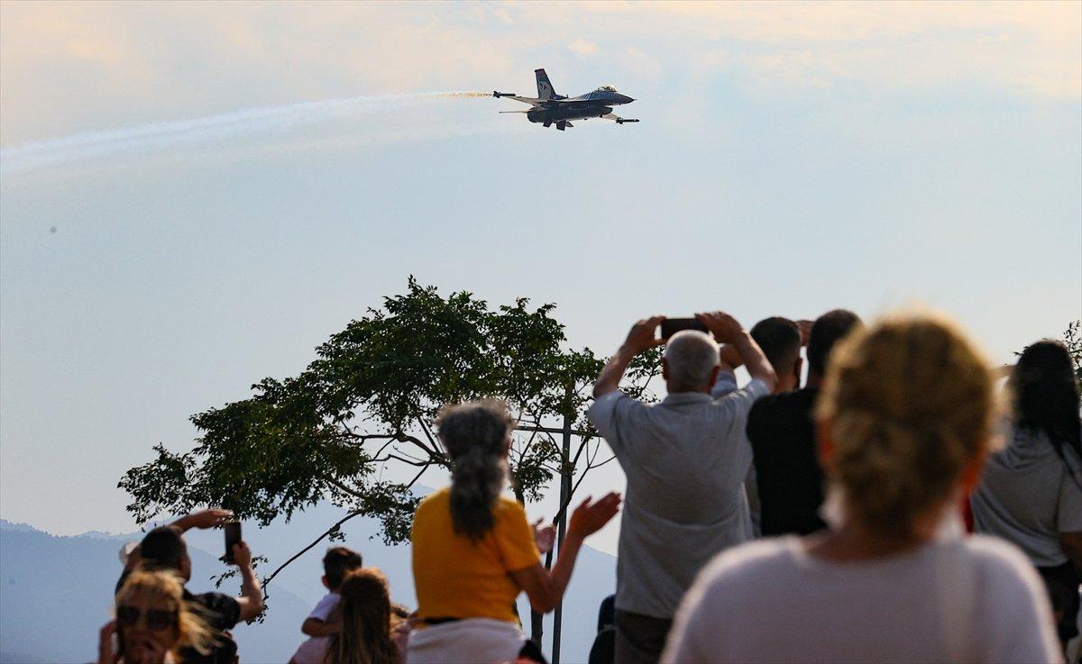 SOLOTÜRK ekibinden İzmir de büyüleyen gösteri uçuşu #14