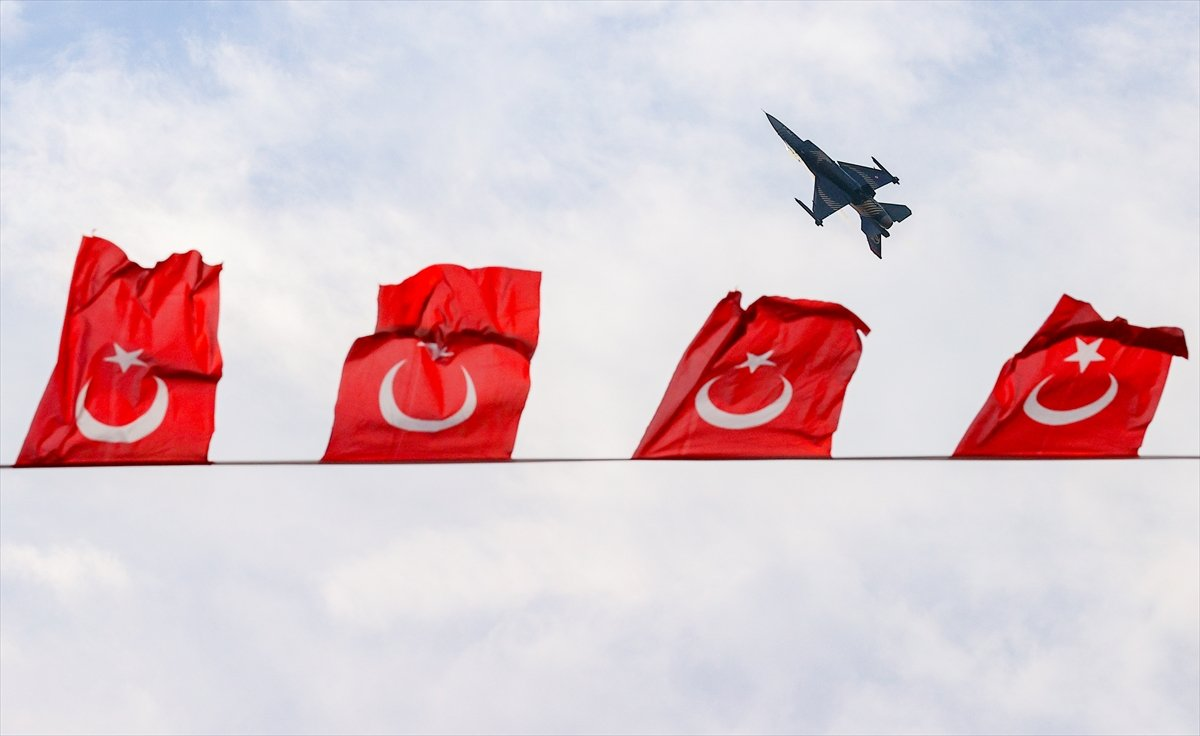 SOLOTÜRK ekibinden İzmir de büyüleyen gösteri uçuşu #13