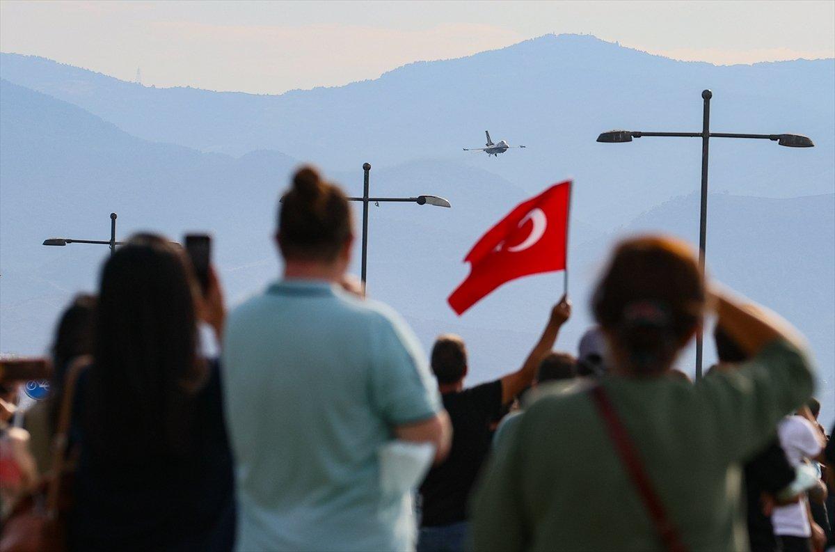 SOLOTÜRK ekibinden İzmir de büyüleyen gösteri uçuşu #12