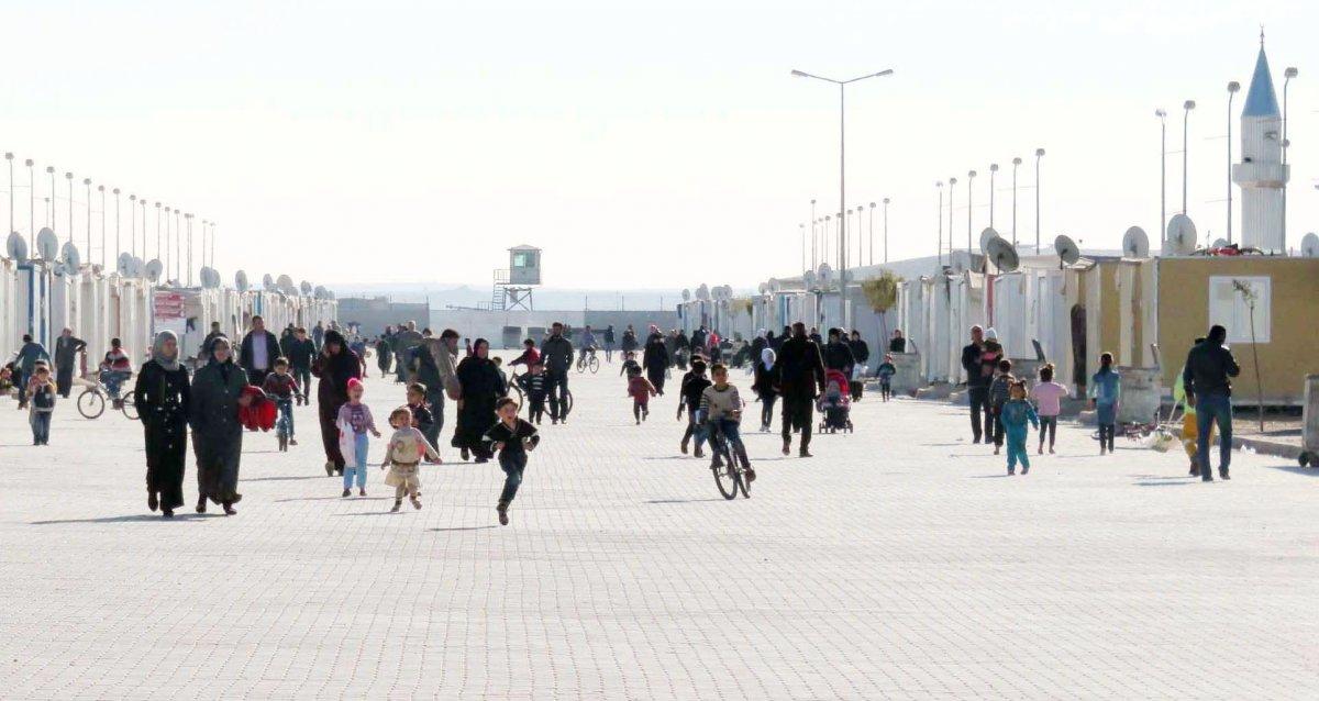 Dışişleri Bakanı Mevlüt Çavuşoğlu mültecilerin gönderilmesi ile ilgili konuştu #2
