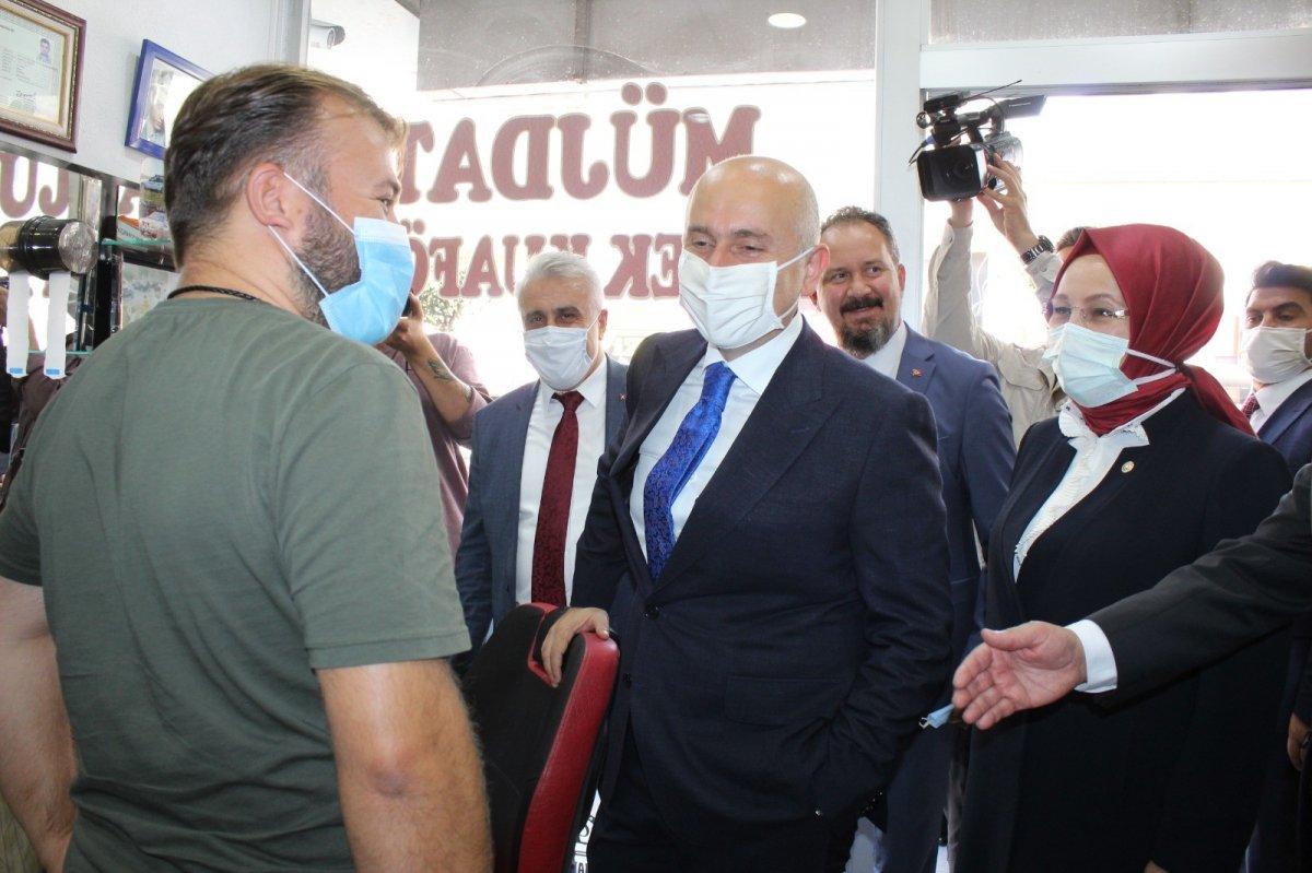 Adil Karaismailoğlu'nun Tekirdağ'da berber ile güldüren diyaloğu #1