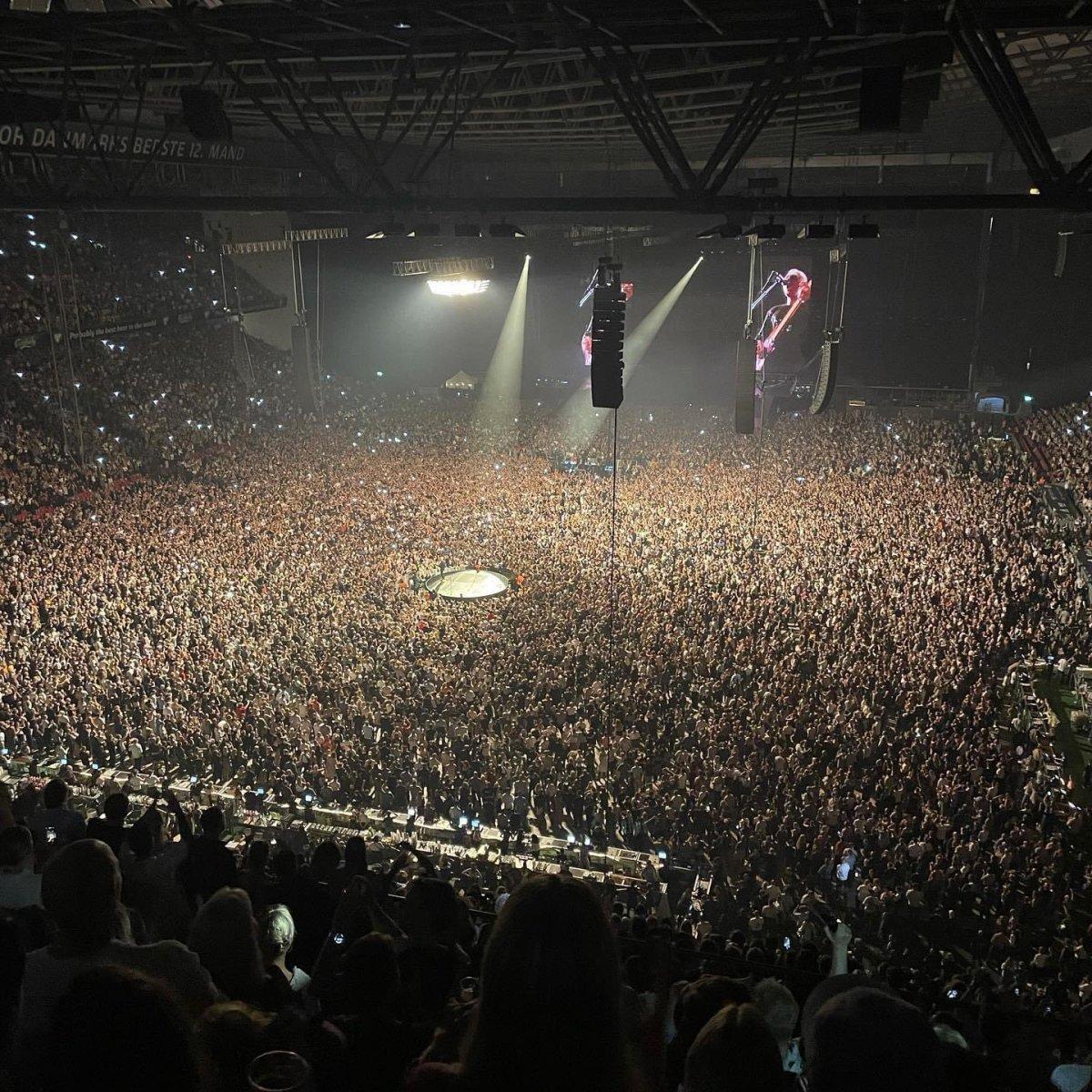 Danimarka daki stadyumda 50 bin kişilik konser #1
