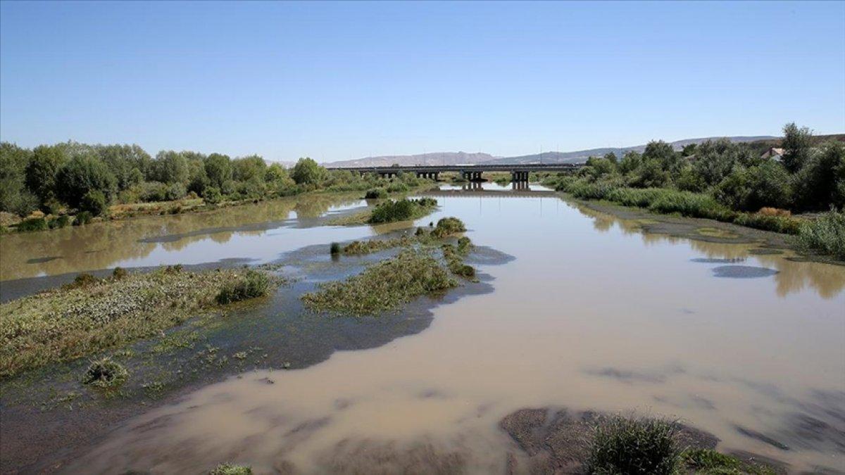 Türkiye nin en uzun nehri Kızılırmak, kuraklık tehdidi altında #1