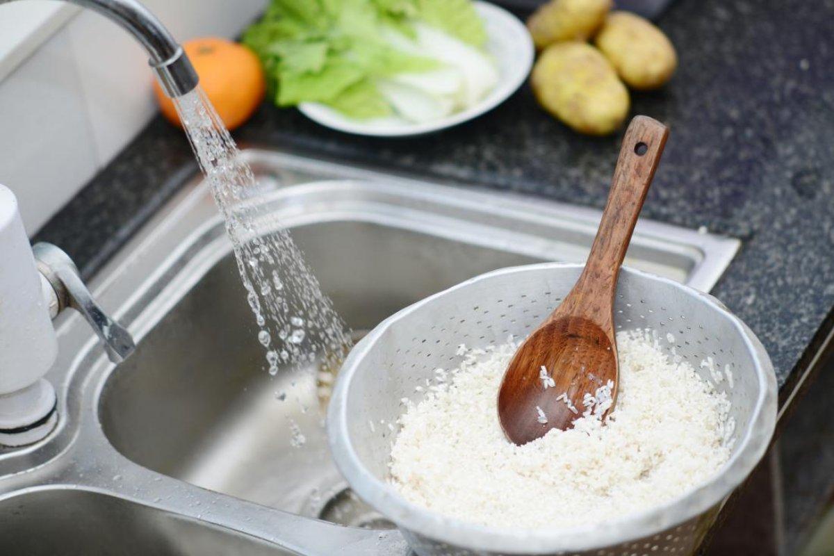 Pirinç suyunu dökmemeniz için 8 neden #1