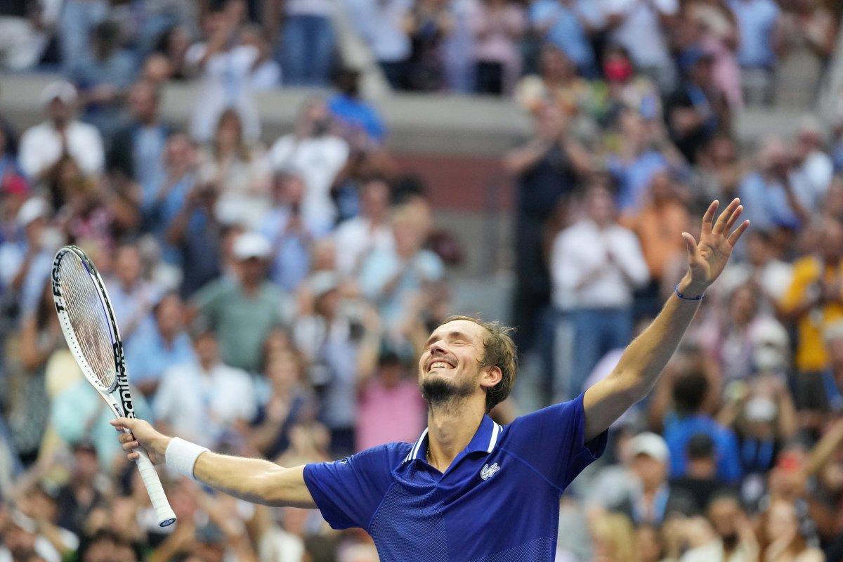 ABD Açık ta Djokovic i yenen Medvedev şampiyon #4
