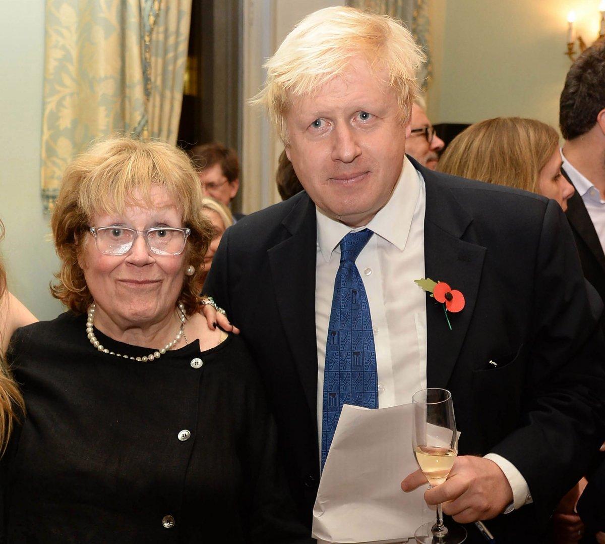 İngiltere Başbakanı Boris Johnson ın annesi öldü #2