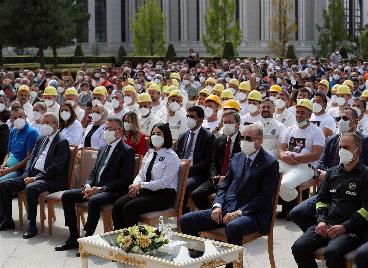 Cumhurbaşkanı Erdoğan, Beştepe de işçilerle buluştu #1