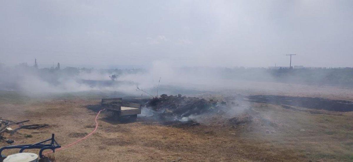 Mersin de çıkan yangın evlere ulaşmadan kontrol altına alındı #4