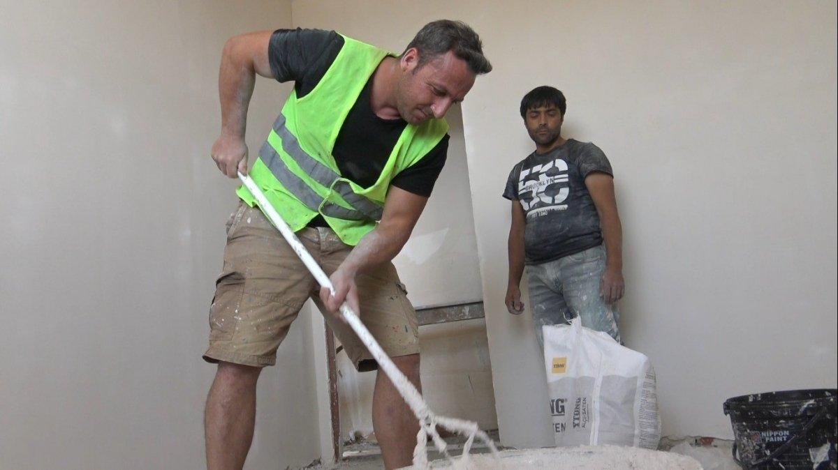 Edirne de okul müdürü, öğrencilerine ayakkabı almak için inşaatta çalışıyor #7