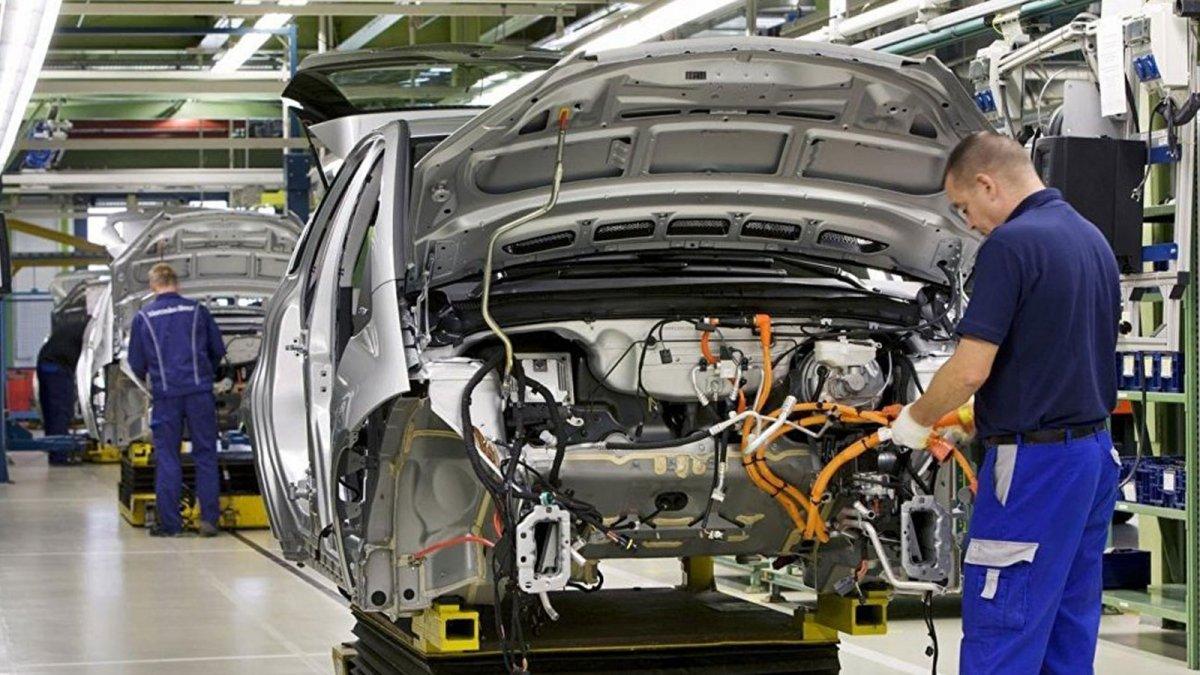 İlk 8 ayda otomotiv üretimi yüzde 14 arttı #1
