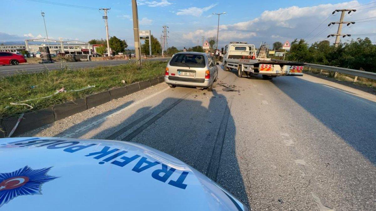 Düzce de yaşanan kazada tıkanan yol, başka kazaya neden oldu: 6 araç hasarlı  #3