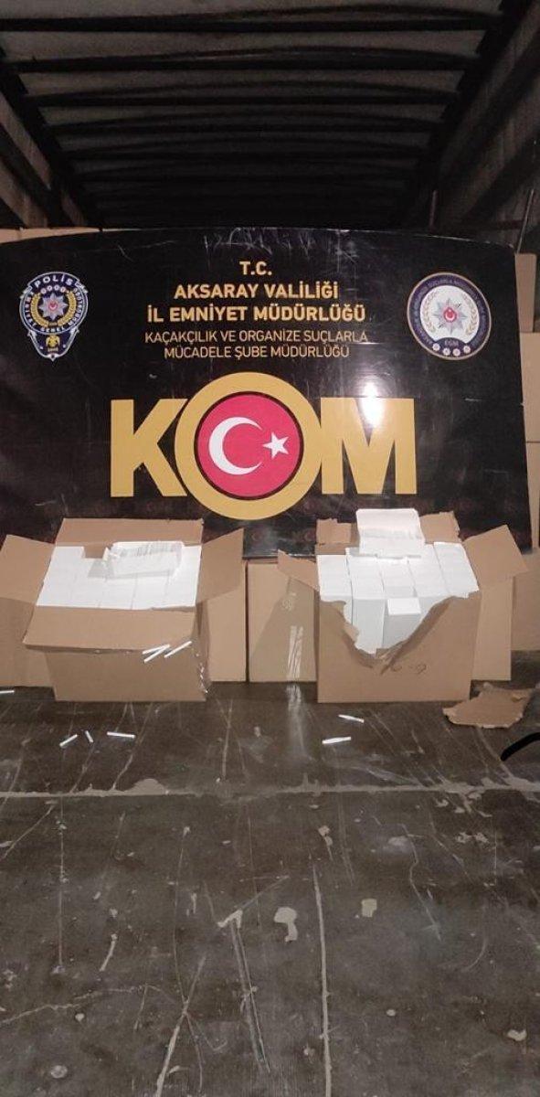 Aksaray'da, tırda 9 milyon adet bandrolsüz makaron ele geçirildi  #1