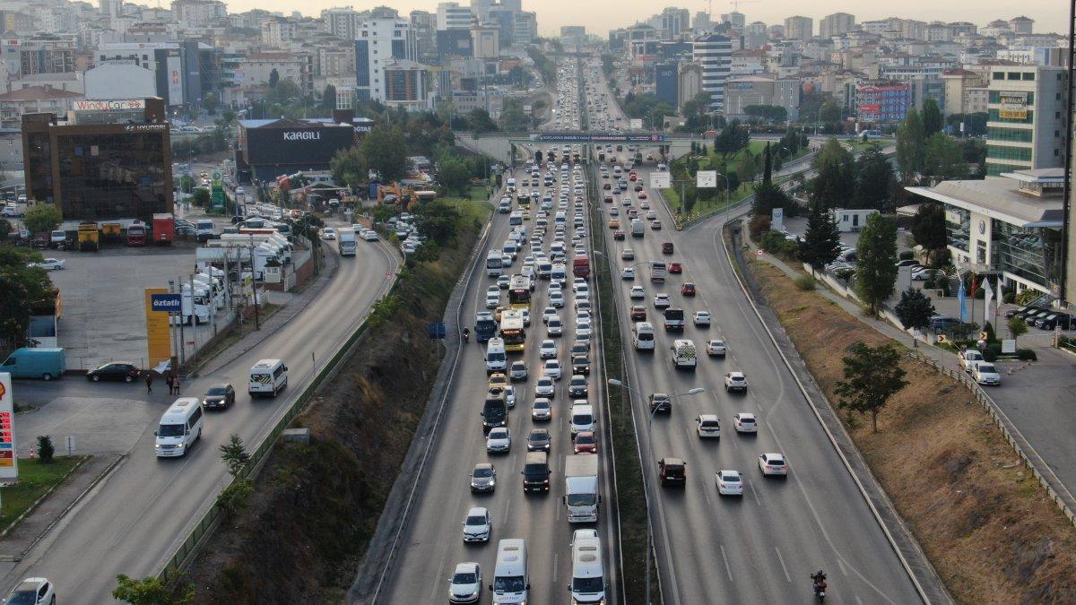 İstanbul da trafik yoğunluğu yüzde 60 ı gördü #2