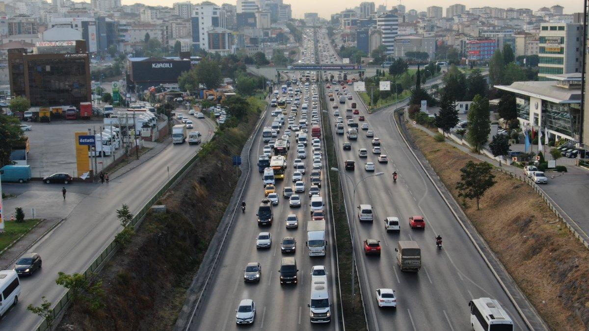 İstanbul da trafik yoğunluğu yüzde 60 ı gördü #4