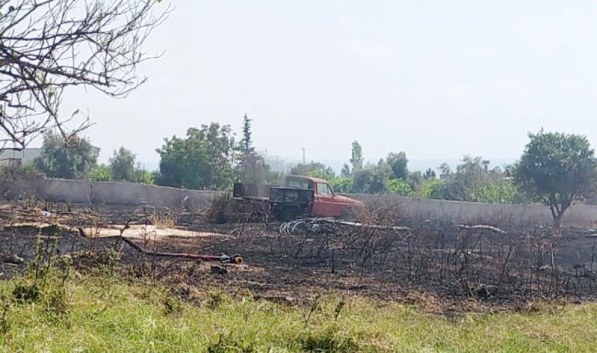 Mersin de çıkan yangın evlere ulaşmadan kontrol altına alındı #3