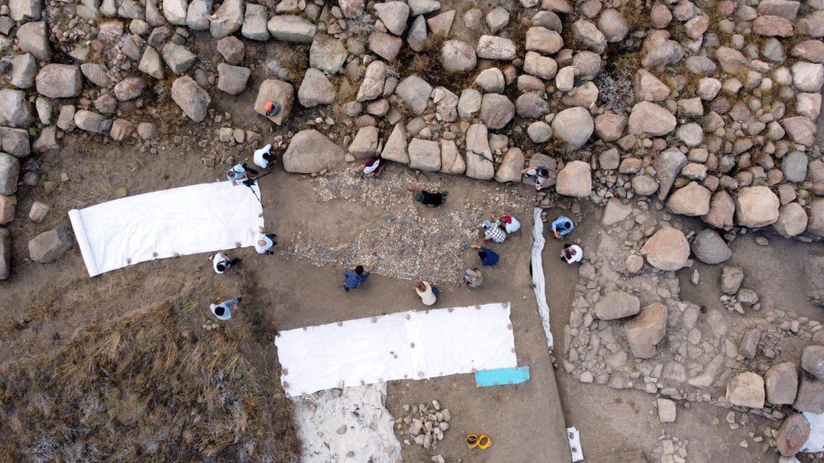 Dünyanın bilinen en eski mozaiği Yozgat'ta bulundu #1