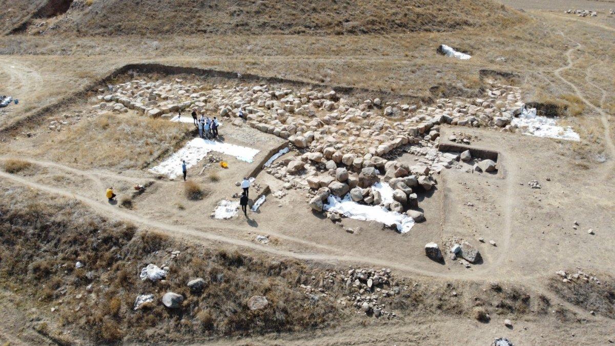 Dünyanın bilinen en eski mozaiği Yozgat'ta bulundu #4
