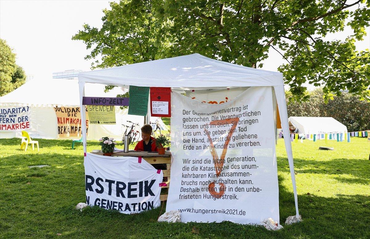 Almanya da bir grup, iklim krizine farkındalık için açlık grevinde #2