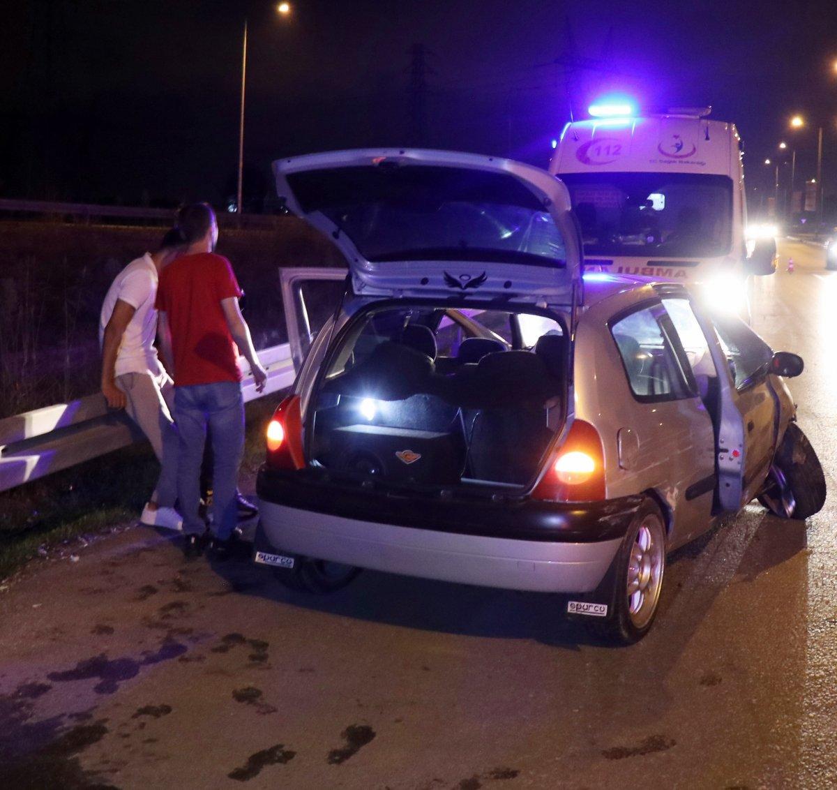 Sakarya da kaza yapan alkollü sürücü hastaneye gitmeyi reddetti #2