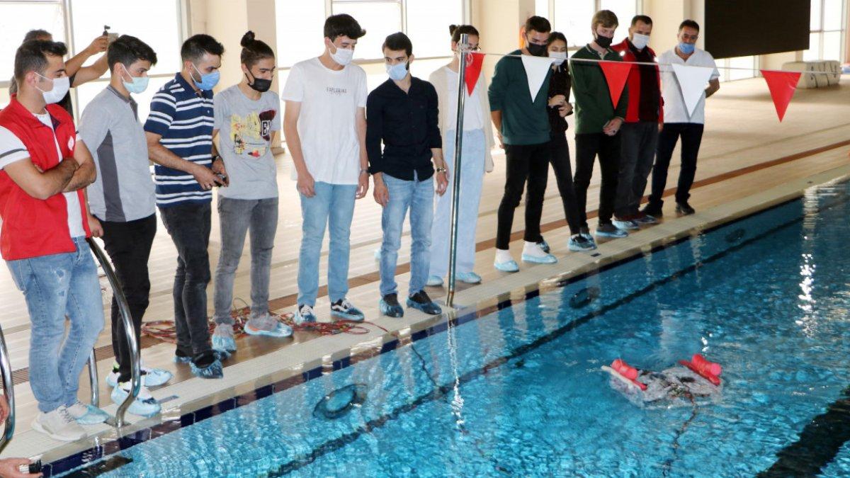 Erzurumda lise öğrencileri insansız su altı aracı tasarladı