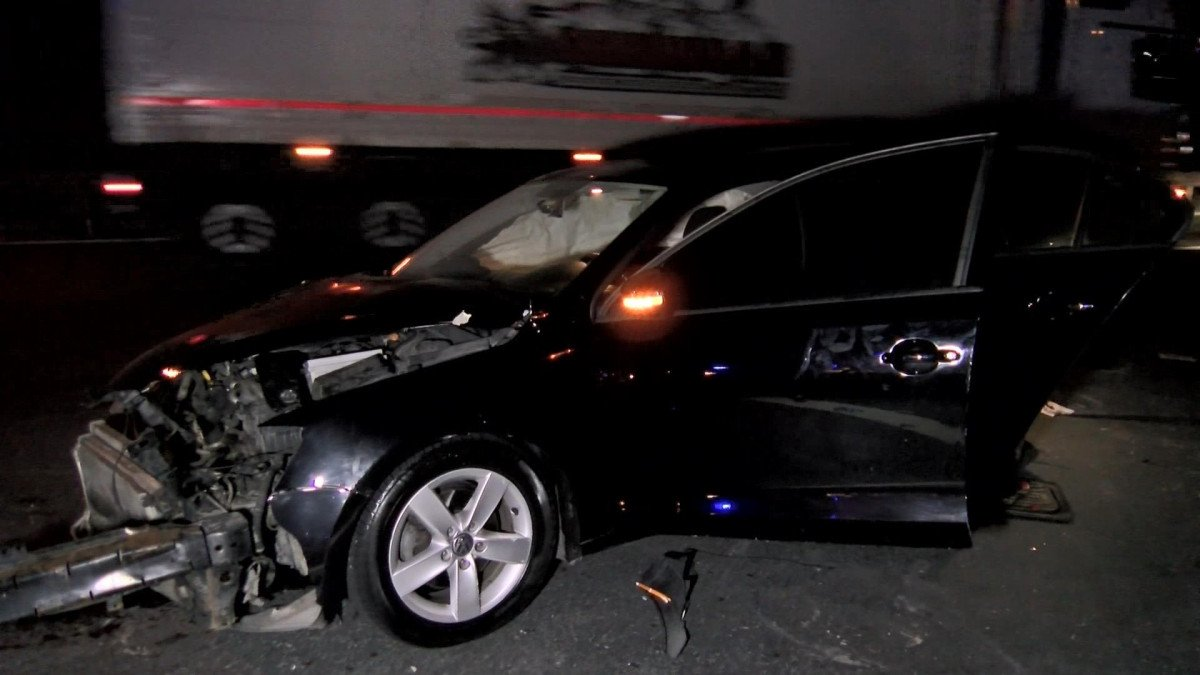Kuzey Marmara Otoyolu nda kaza yapan sürücüye yardım için gelenlere otomobil çarptı #2