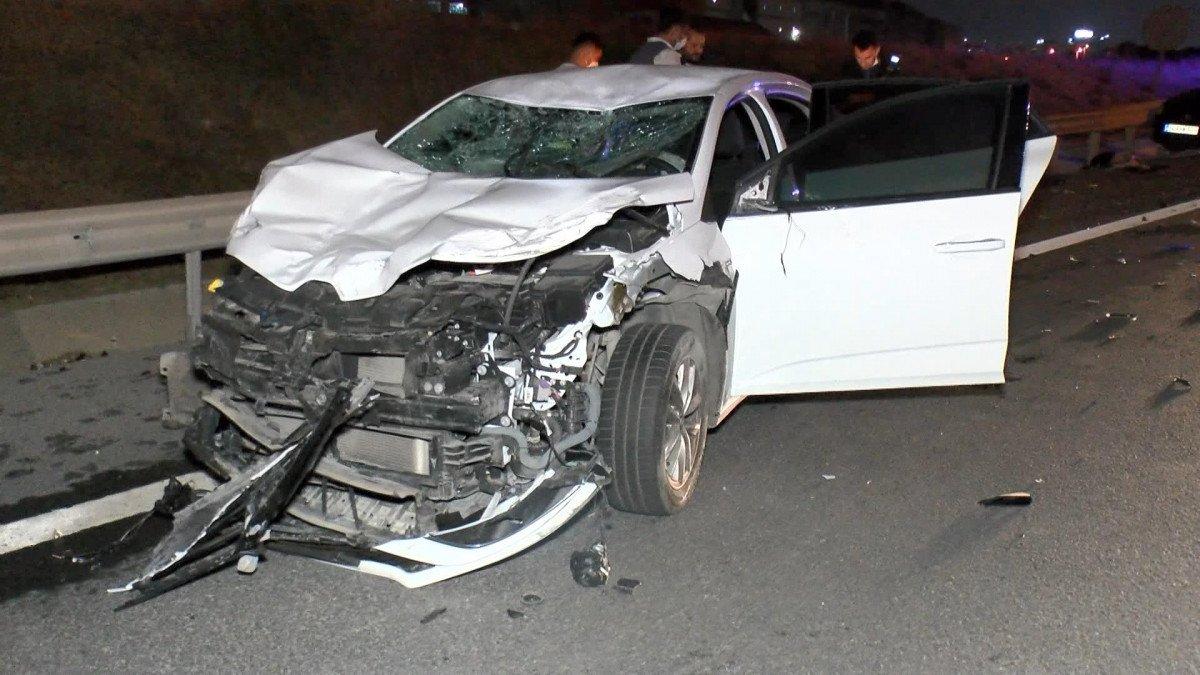 Kuzey Marmara Otoyolu nda kaza yapan sürücüye yardım için gelenlere otomobil çarptı #1