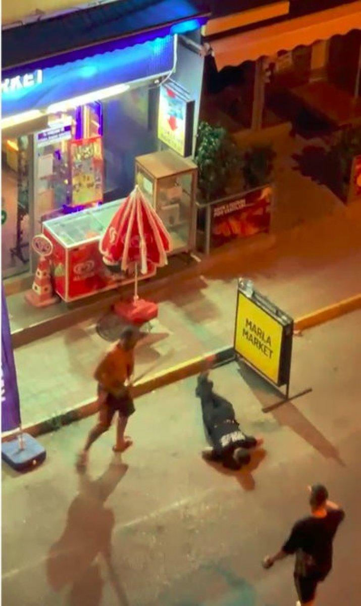 Antalya daki genç, gürültü kavgasında sopayla öldüresiye darbedildi #3