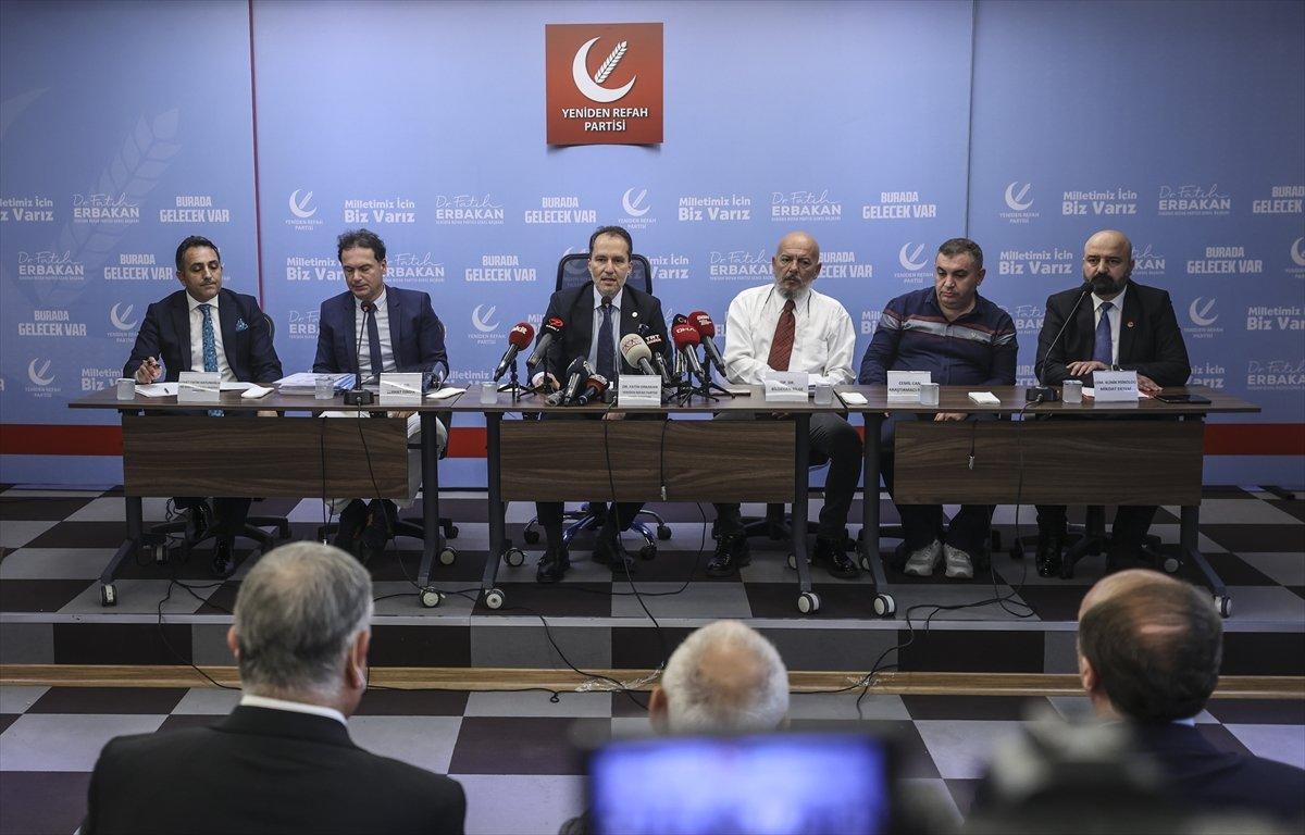 Fatih Erbakan, basın toplantısına doktorlarla çıktı #2