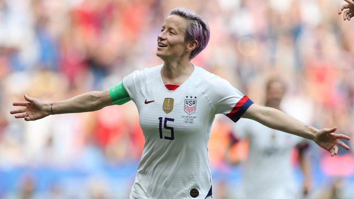 ABD den kadın ve erkek futbolculara eşit ücret #1