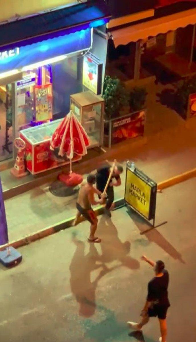 Antalya daki genç, gürültü kavgasında sopayla öldüresiye darbedildi #4