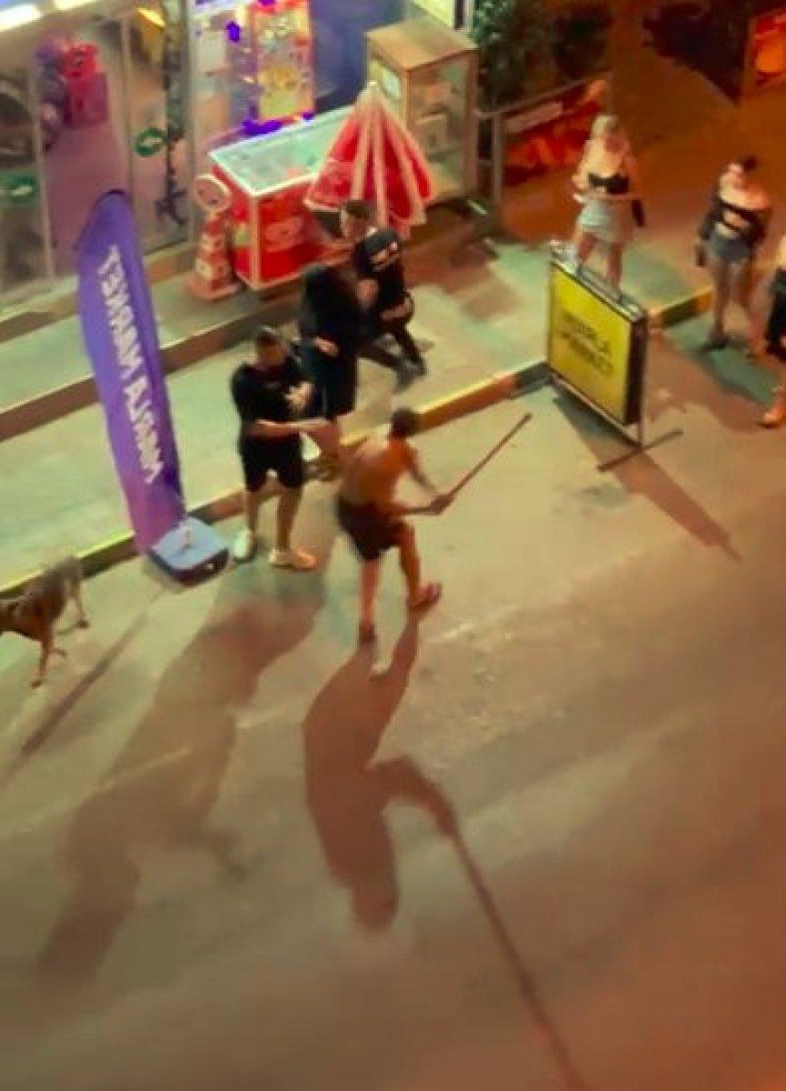 Antalya daki genç, gürültü kavgasında sopayla öldüresiye darbedildi #2