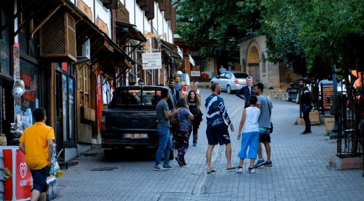 Kemaliye, yaz aylarında ilçe nüfusunun 10 katı ziyaretçi ağırlıyor #2