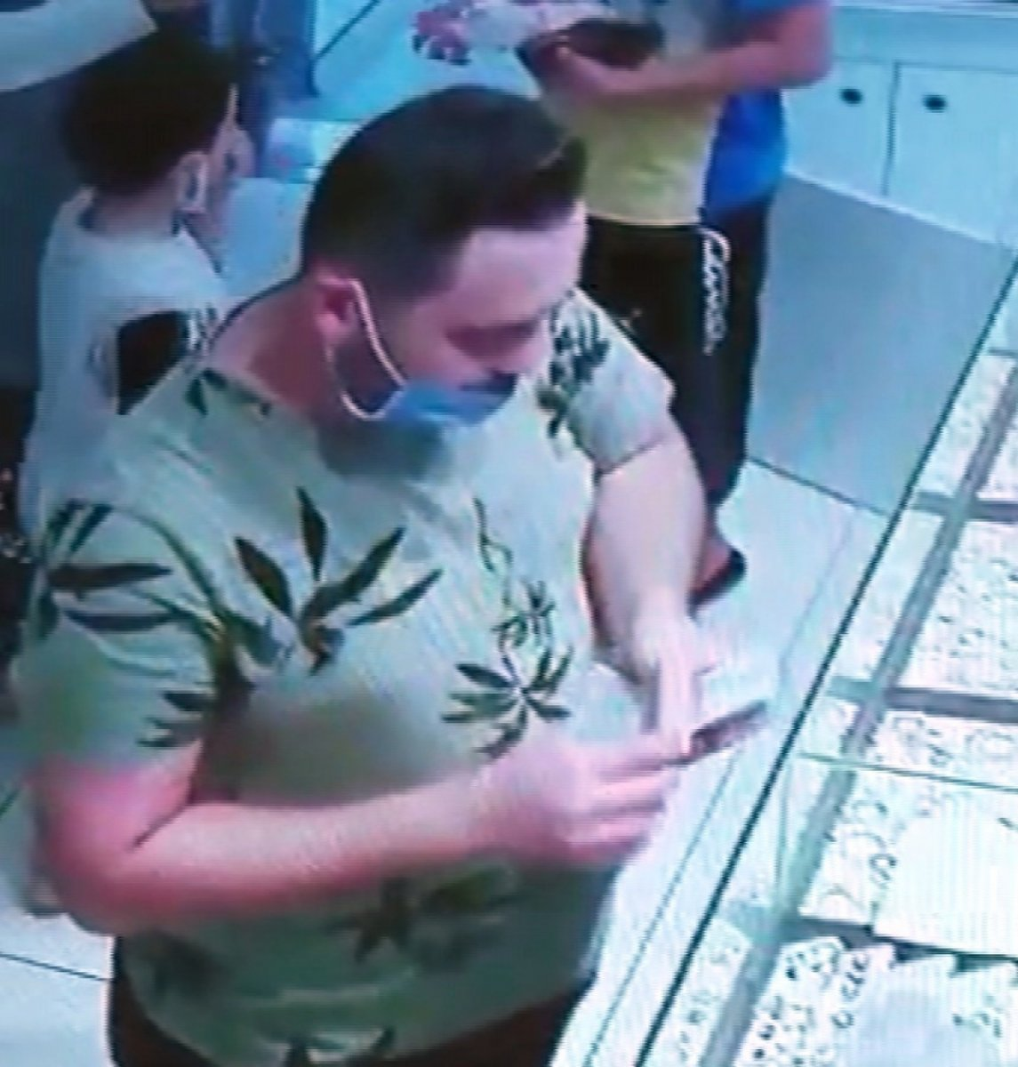Amasya'daki kuyumculara sahte altın satışı kamerada #4