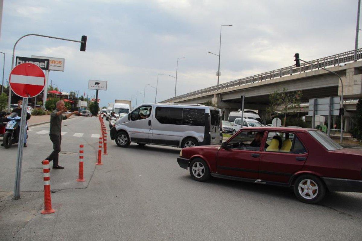 Antalyalılar yolun tek yöne düşürülmesine tepki gösterdi #3
