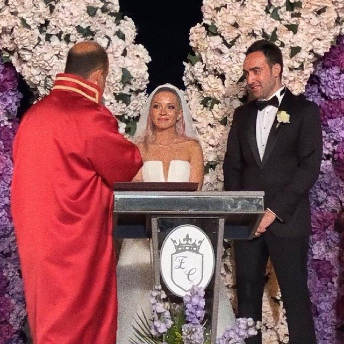 Ece Seçkin evlendi #1