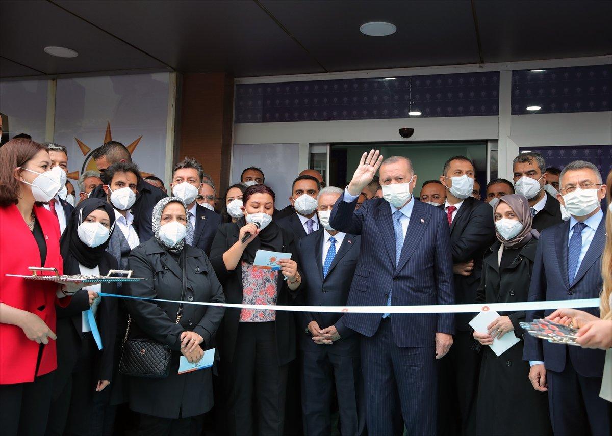 Cumhurbaşkanı Erdoğan, AK Parti Kırşehir İl Başkanlığı binasının açılışını yaptı #2