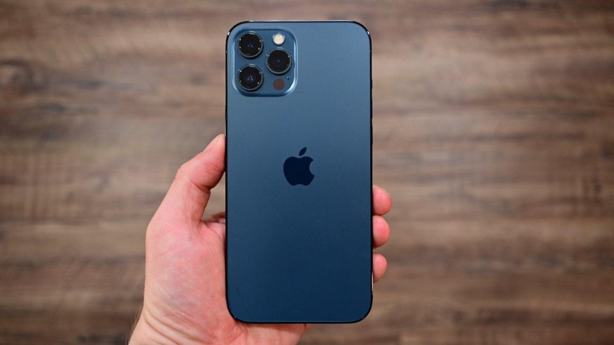 Apple, iPhone 12 Pro ve Pro Maxi sitesinden kaldırdı